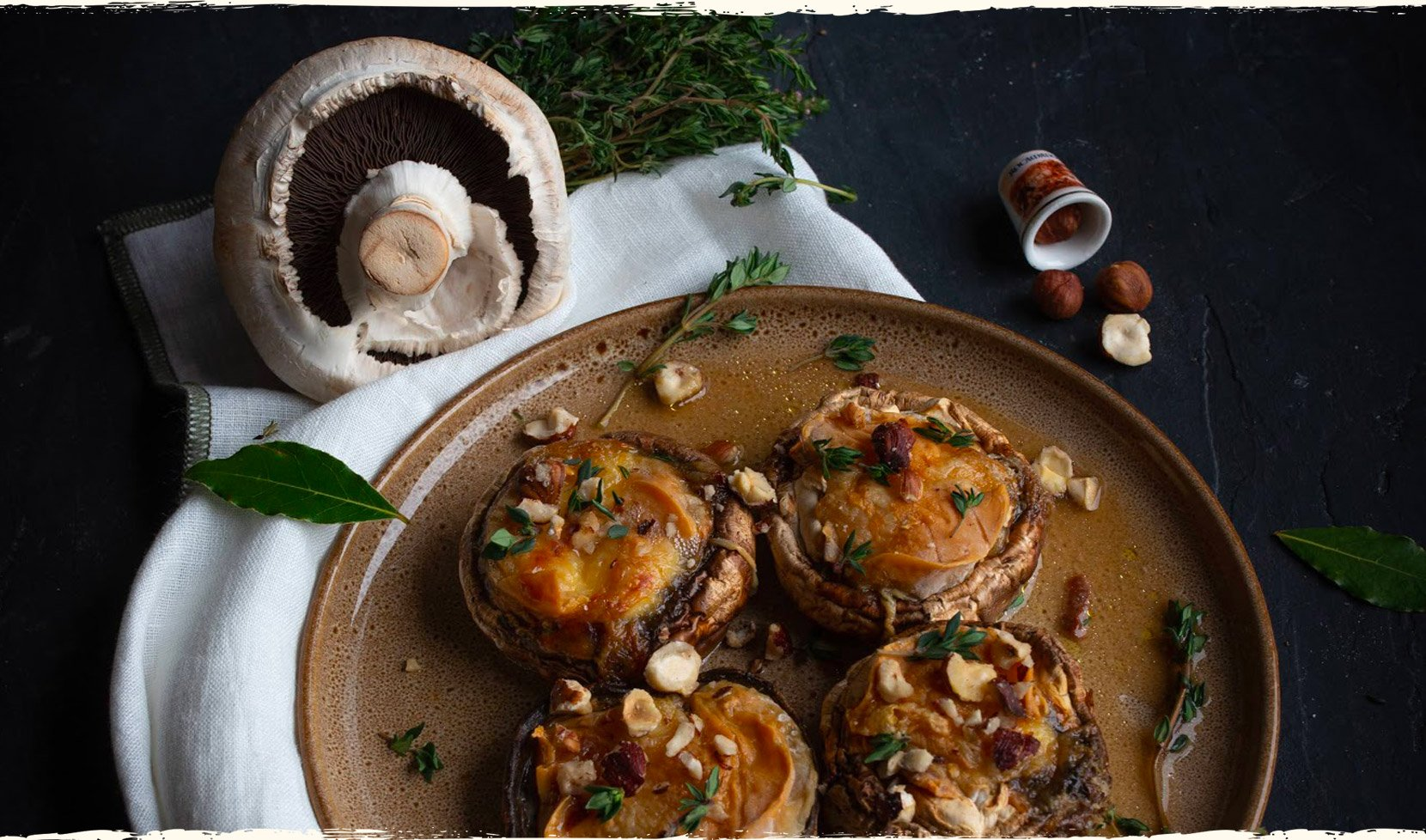 gros-champignons-farcis-rocamadour-thym-noisettes-concasees-4