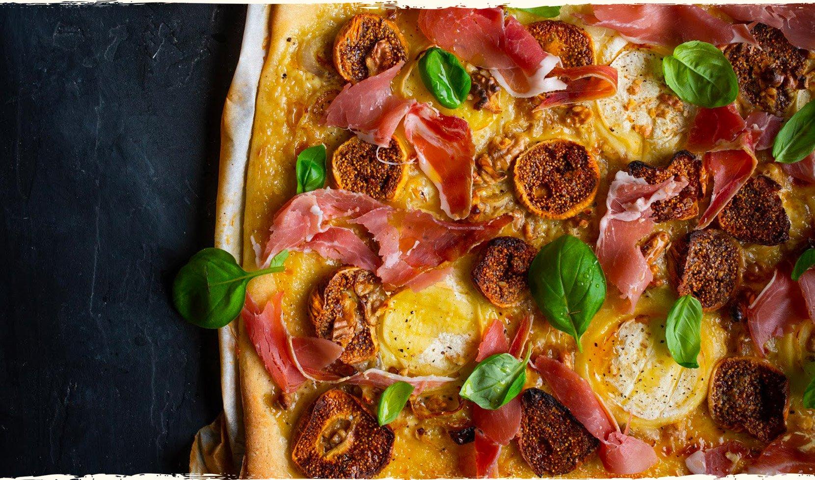 pizza-rocamadour-miel-jambon-cru-figue-basilic-1