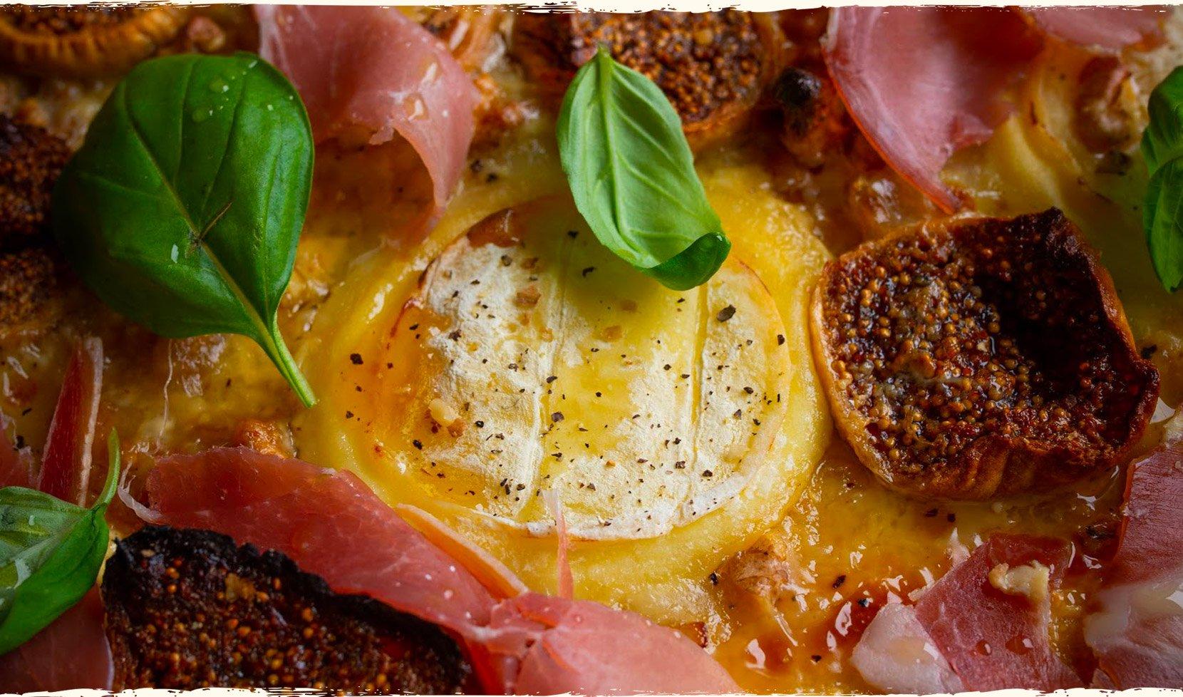 pizza-rocamadour-miel-jambon-cru-figue-basilic-3